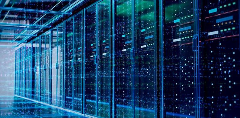 Blåt rum med databaser og servere